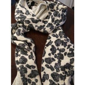 Animal print scarf with fringe